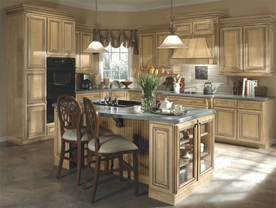 Kitchen Example Displaying The Armstrong Cabinet Style Sedona With The Natural Caramel Glaze Finish