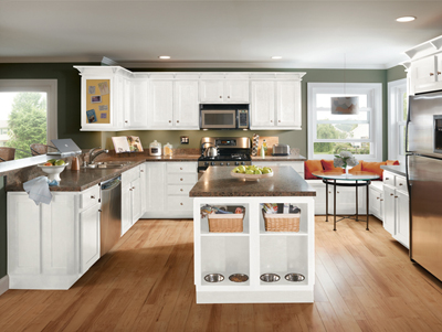 Kitchen Example Displaying The Armstrong Cabinet Style Newbury With The  Alpine White Finish